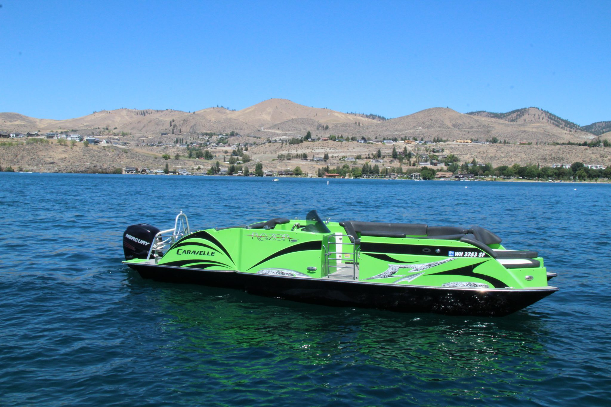 Lime Razor<br>14 Passenger<br>25 ft.